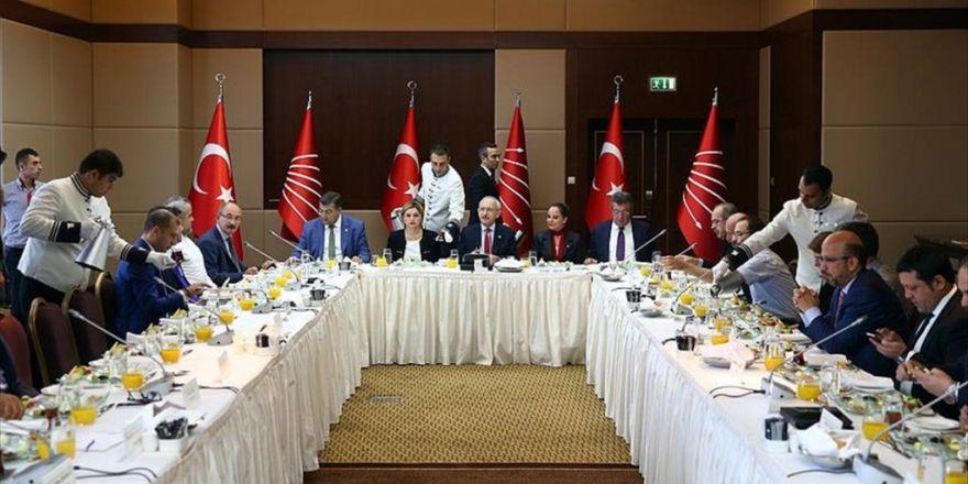 Kılıçdaroğlu Gazete Temsilcileriyle Bir Araya Geldi