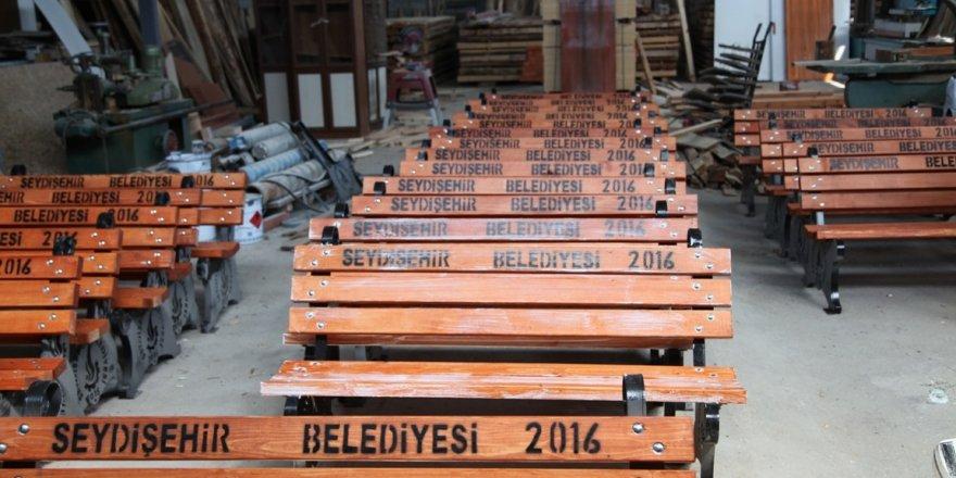 Seydişehir Belediyesi ağaç ürünlerini marangozhanelerinde üretiyor