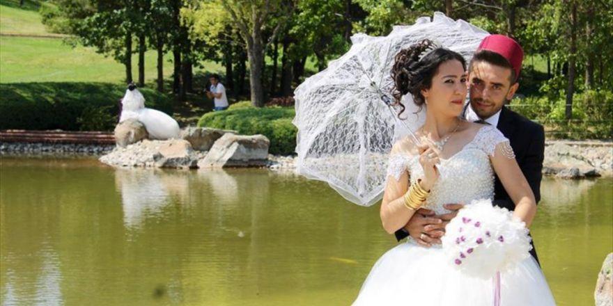 Evlilik Anılarını Japon Bahçesi'nde Ölümsüzleştiriyorlar