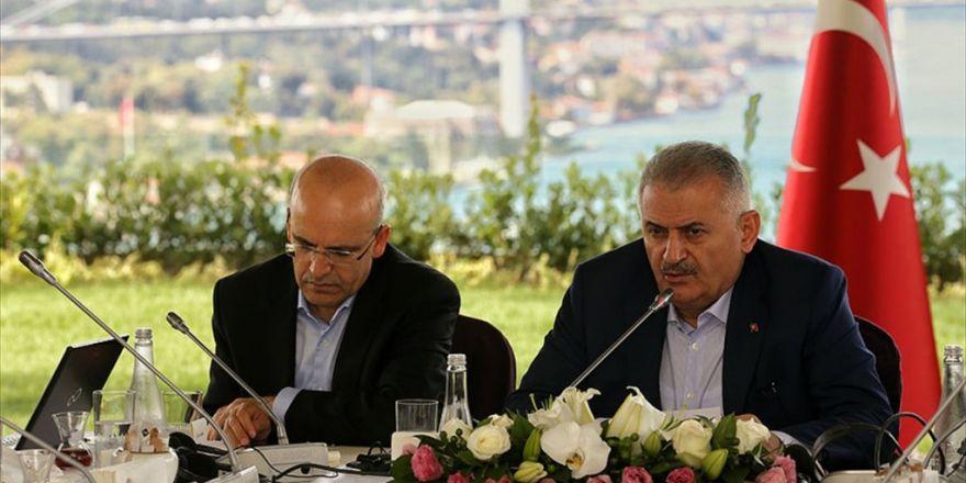 'Uzun Vadede Esed'i Suriye Taşıyamaz'