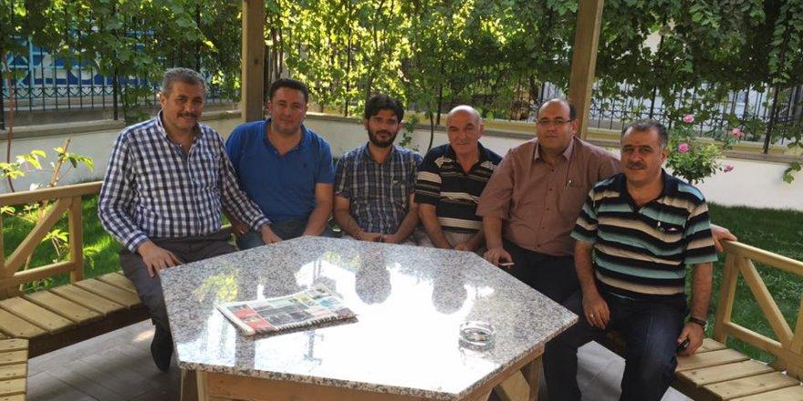 İsmail Turan'a dost ziyaretleri sürüyor