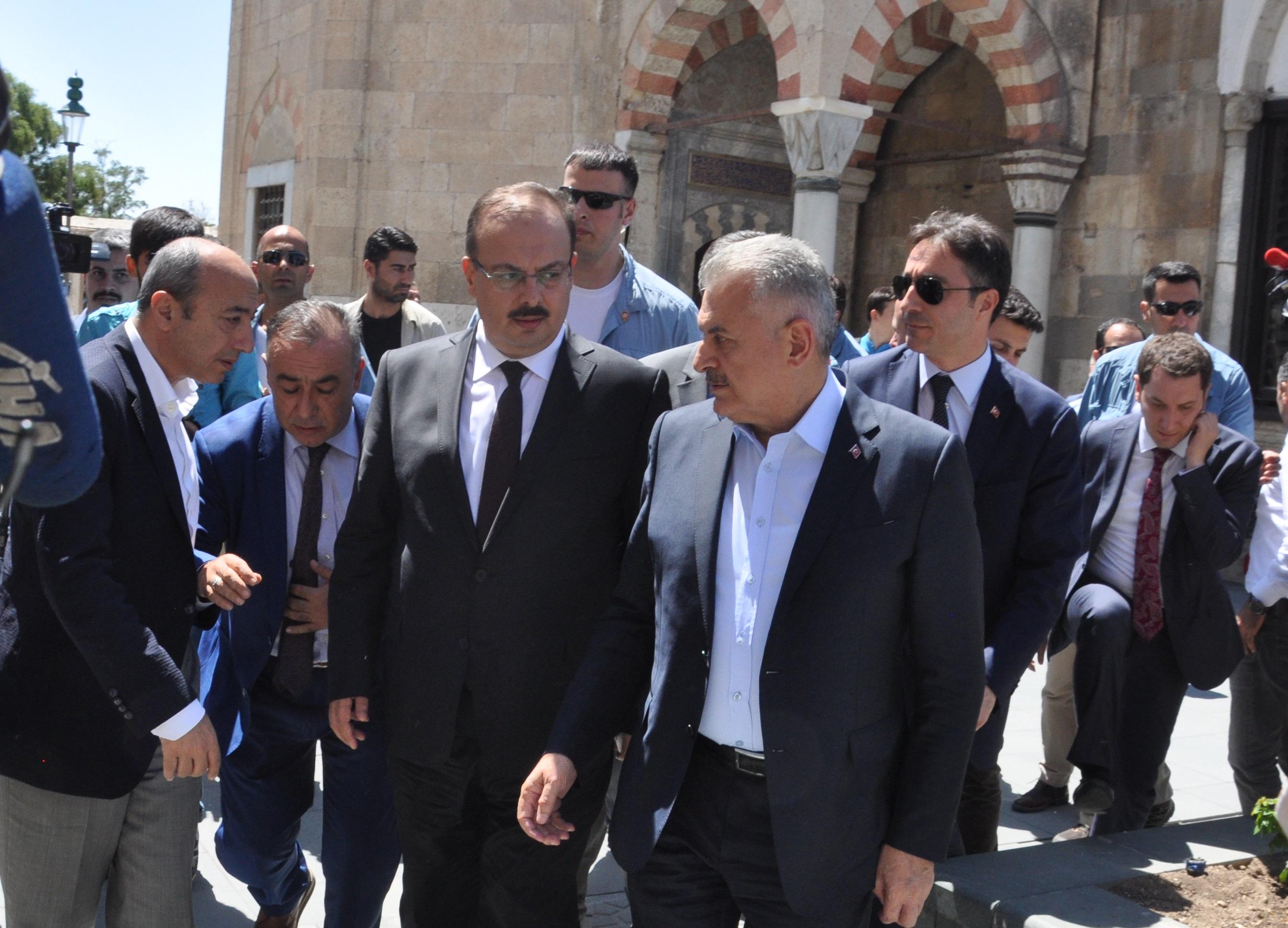 Başbakan Yıldırım, Mevlana Müzesi'ni ziyaret etti