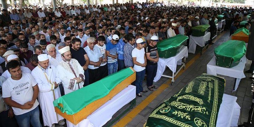 Gaziantep Saldırısında Hayatını Kaybeden 37 Kişinin Cenazesi Defnedildi