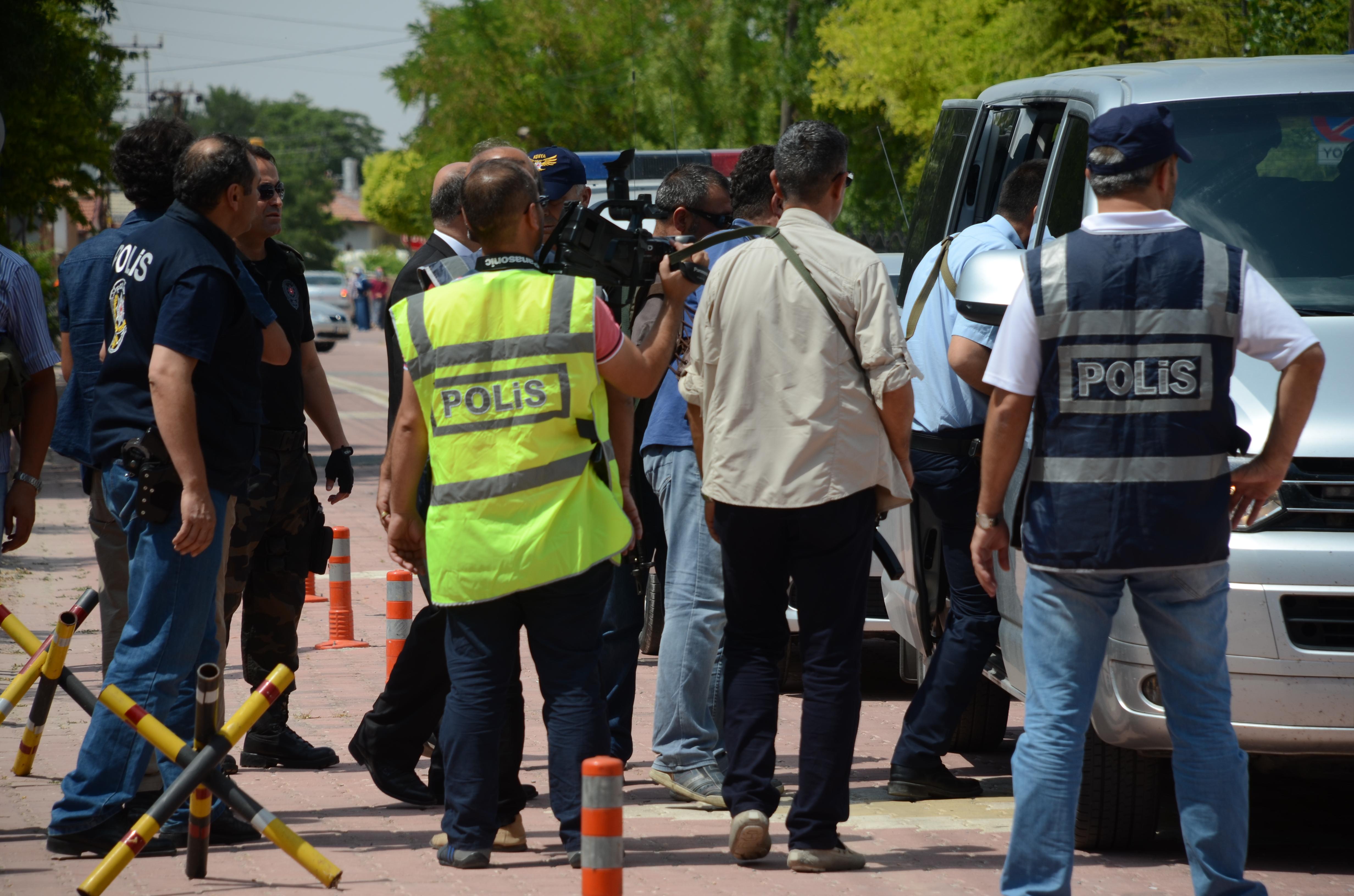 Konya'da 16 kişiye FETÖ gözaltısı