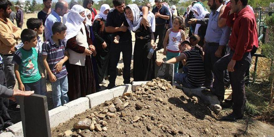 Gaziantep'teki Saldırıda Yaşamını Yitiren Caner'in Cenazesi Toprağa Verildi