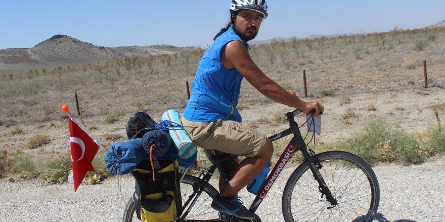 Şehitler için 950 kilometre pedal çevirdi