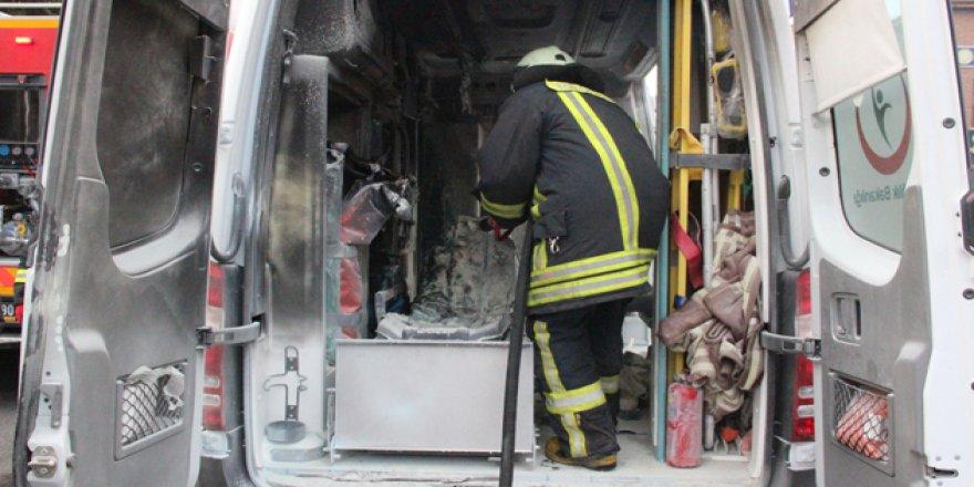 Konya'da hasta taşıyan ambulansta yangın
