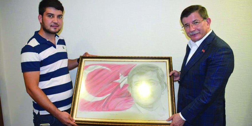 Emre Güneysu'dan Başbakan'a anlamlı hediye