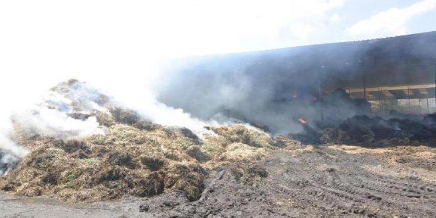 Karapınar'da balya yangını