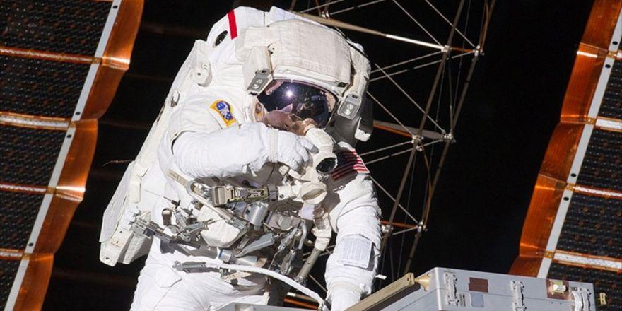 Uzayda Kesintisiz En Uzun Süreli Kalma' Rekoru