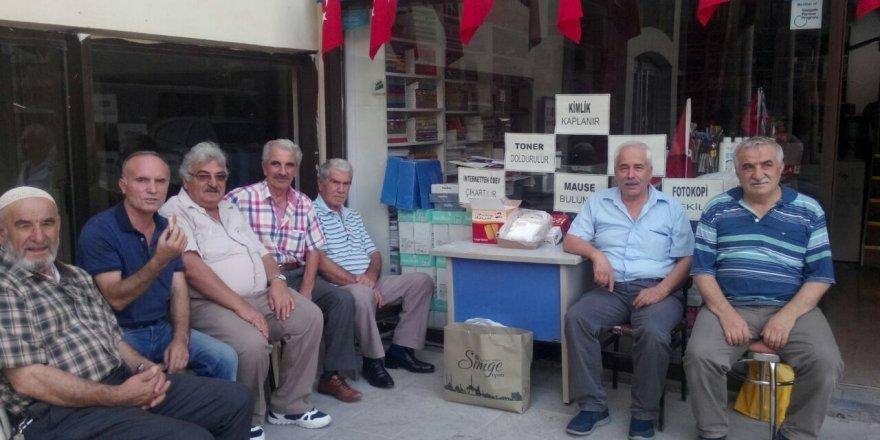 Halil İbrahim Kara'dan bisküvi arası lokum ikramı
