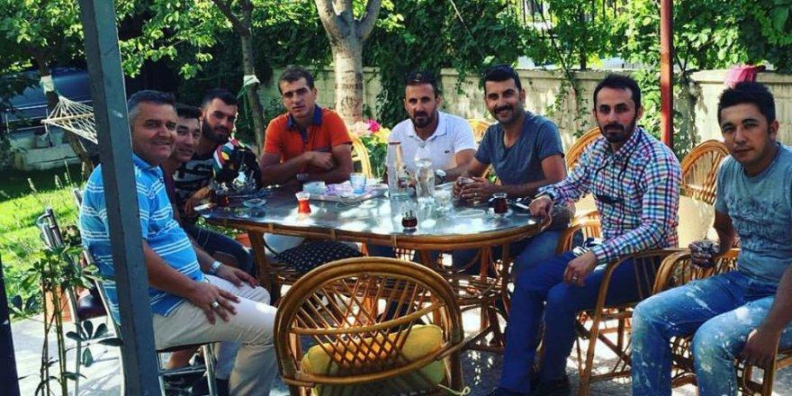 Mehmet Şafakçı hocanın beş çayında misafirleri varmış