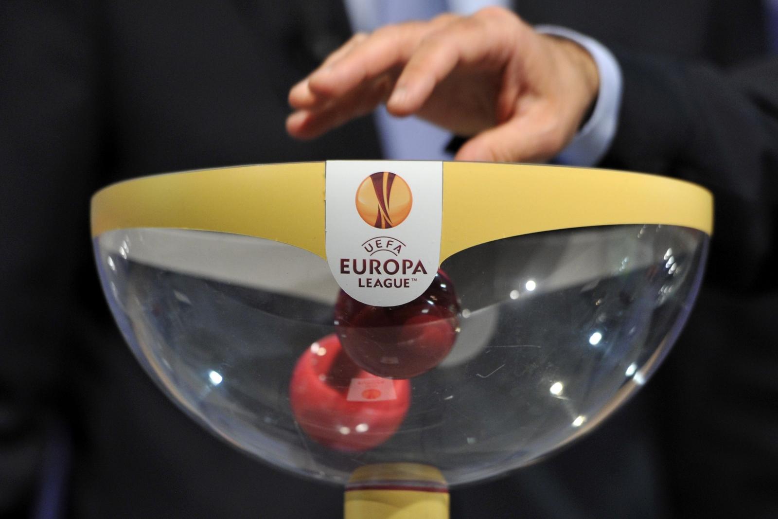 UEFA AVRUPA LİGİ'NDE KURALAR ÇEKİLİYOR