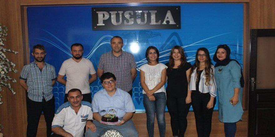 Pusula Gazetesi'nde yaş günü kutlaması