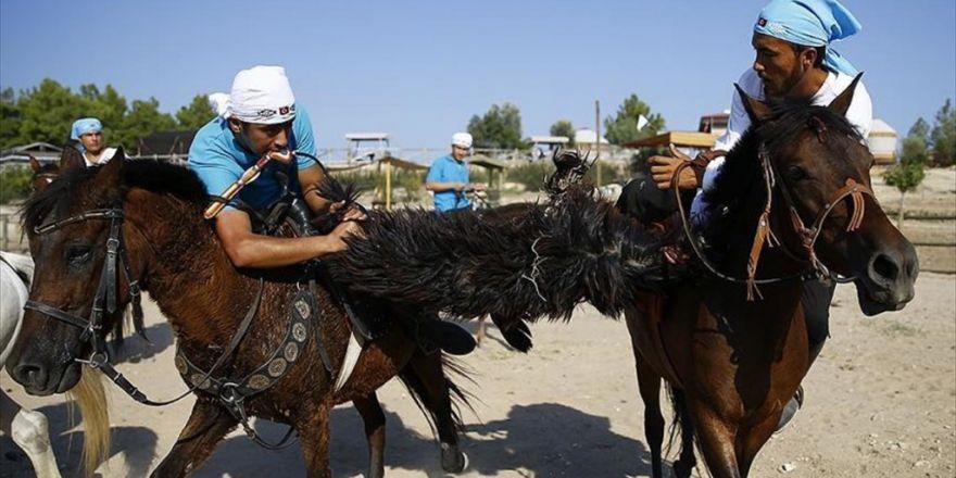 Ata Sporu 'Gökbörü' Antalya'da Yaşatılıyor
