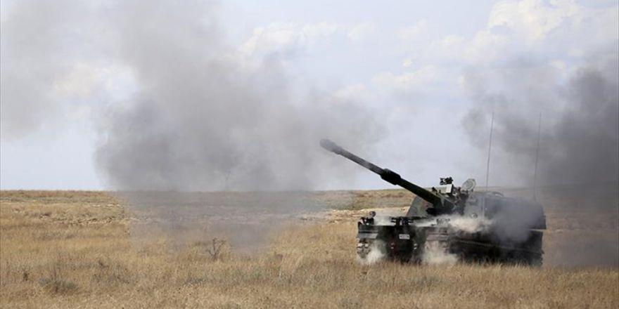 Tsk Cerablus'ta Teröristlere Ait 21 Hedefi Fırtına Obüsleriyle Vurdu