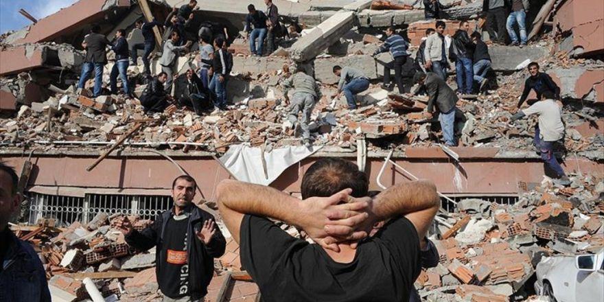 Van Depreminde Toplanan Paraların Fetö'ye Aktarıldığı İddiası