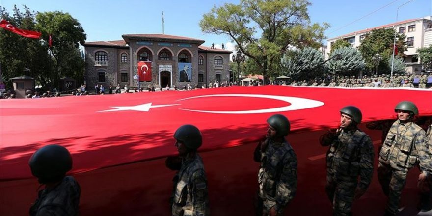 Tbmm'den Ulus'taki Eski Meclis'e Kadar Geçit Töreni