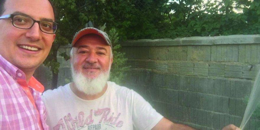 Mustafa İbalı ve Özteke'den bahçe selfiesi