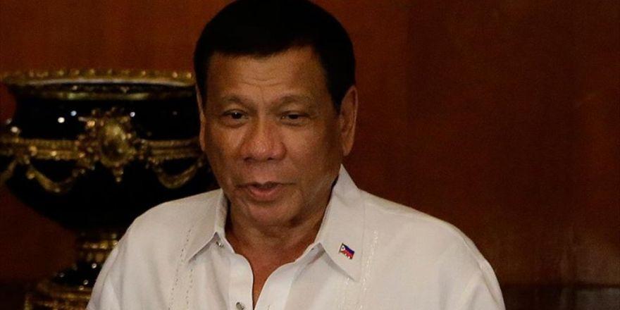 Filipinler Devlet Başkanı Duterte'ye Suikast Planı Engellendi