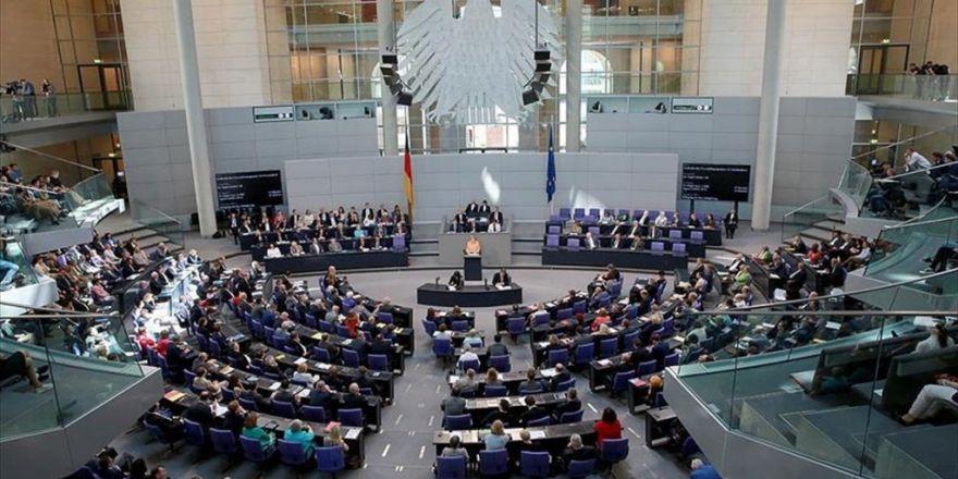Der Spiegel Dergisi: Alman Hükümeti Federal Meclis'in Aldığı Karara Mesafe Koyacak