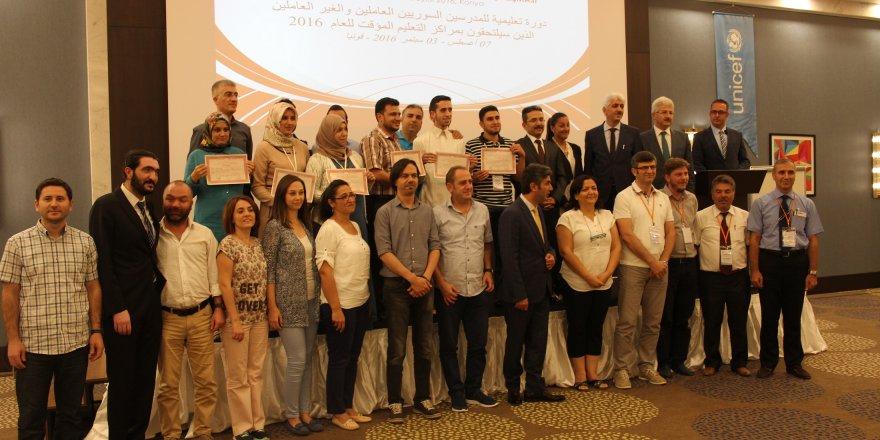 Suriyeli öğretmenlere eğitimi verildi