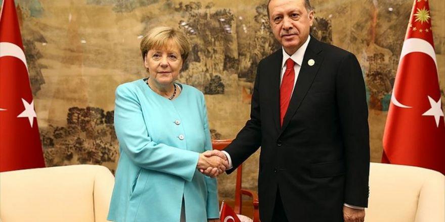 """Erdoğan: Türkiye'nin Güney Sınırında """"Terör Koridoru"""" Oluşturulmasına İzin Vermeyeceğiz"""