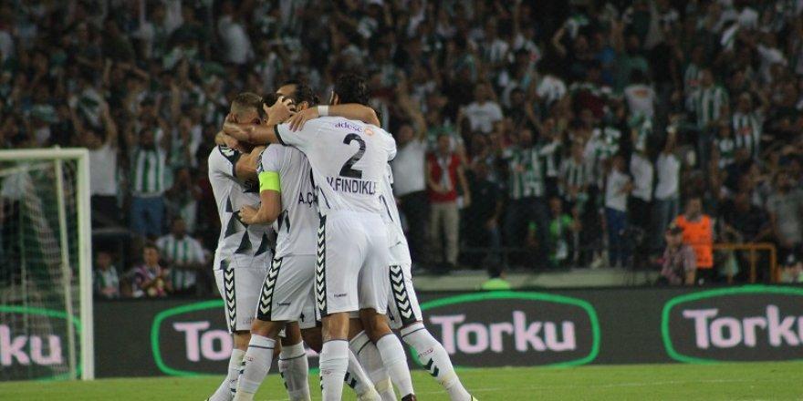 Atiker Konyaspor 6 eksikle çalıştı!