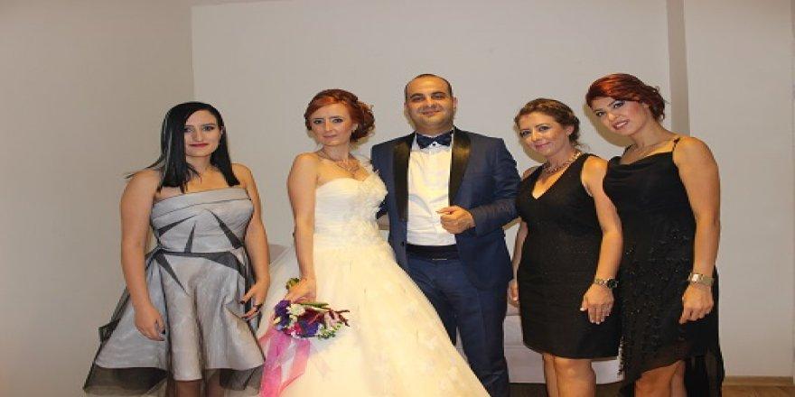 Meltem ile Mustafa evlendi