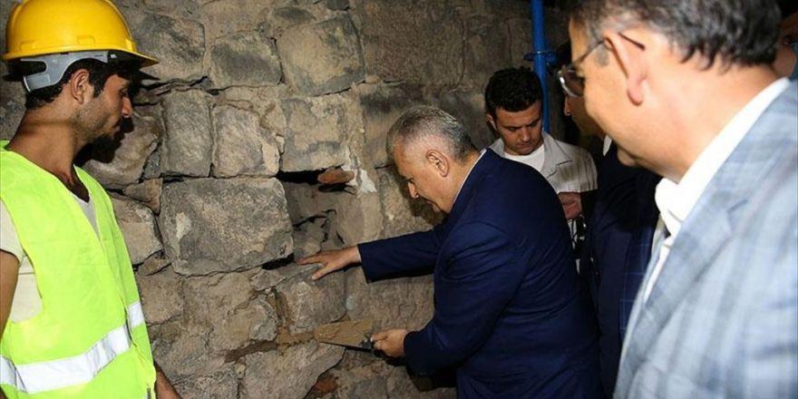 Başbakan Yıldırım Sur'da İncelemelerde Bulundu
