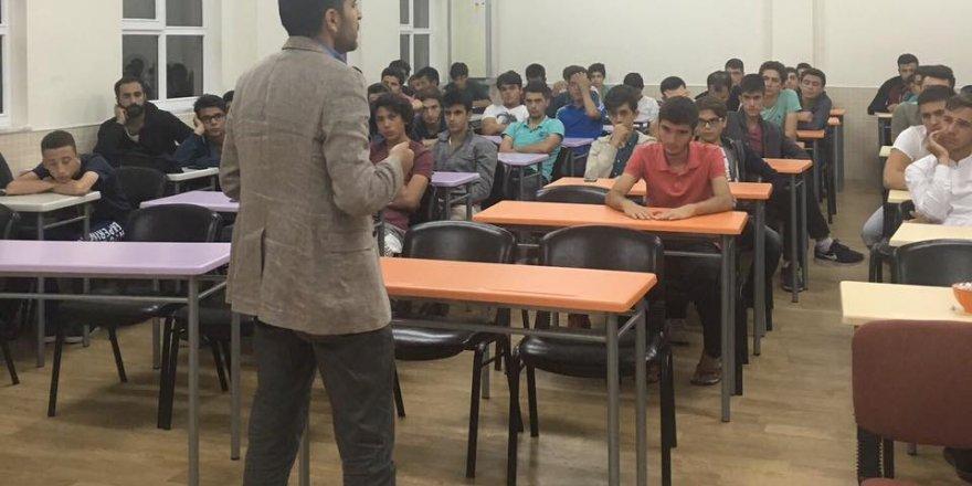 Nergiz AK Gençlik'e Medyayı Anlattı
