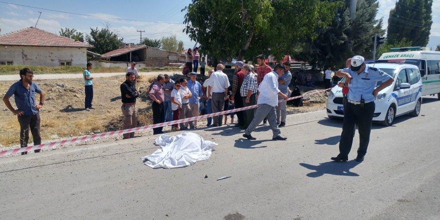 TIR'ın çarptığı motosikletli yaşlı adam hayatını kaybetti