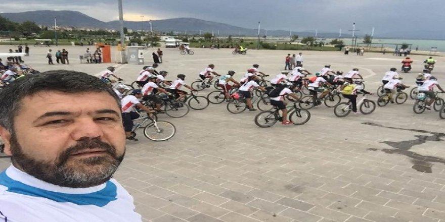 Beyşehir Gölü sevdalı bisikletçiler bir arada
