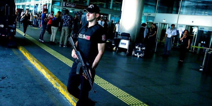 Aranan Pkk'lı Kadın Terörist, Atatürk Havalimanı'nda Yakalandı