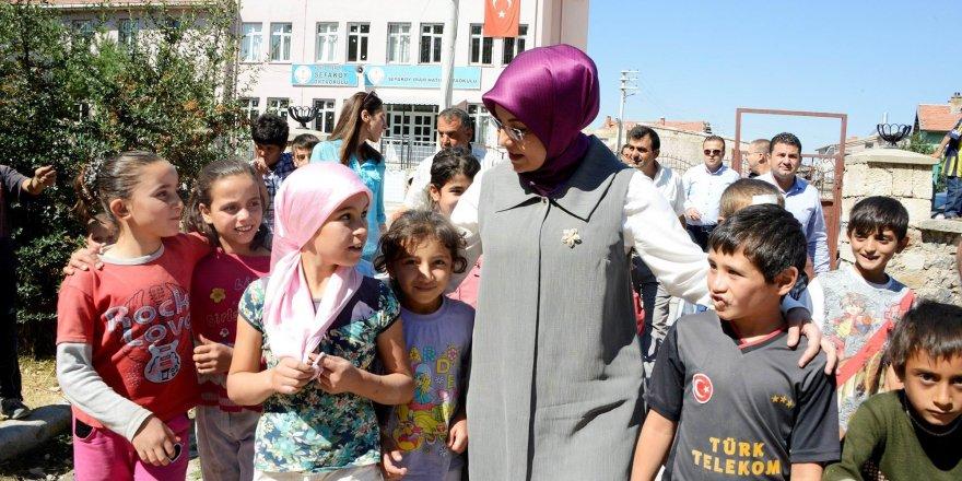 Meram'dan çocuklara bayram hediyesi