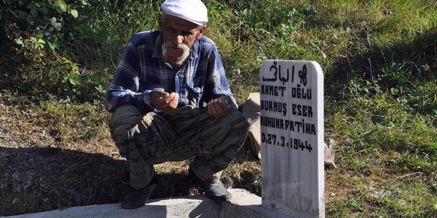 Köylüye Kızdı Mezarını Evinin Bahçesine Yaptı