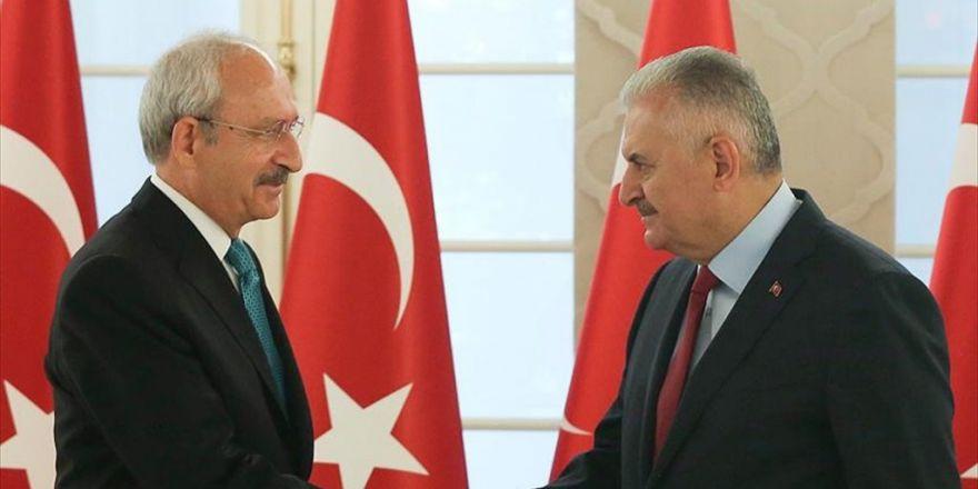 Başbakan Yıldırım, Kılıçdaroğlu'nu Tebrik Etti