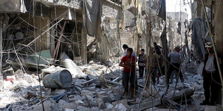 Rus Uçakları Halep'te Yerleşim Yerini Vurdu: 10 Ölü, 18 Yaralı
