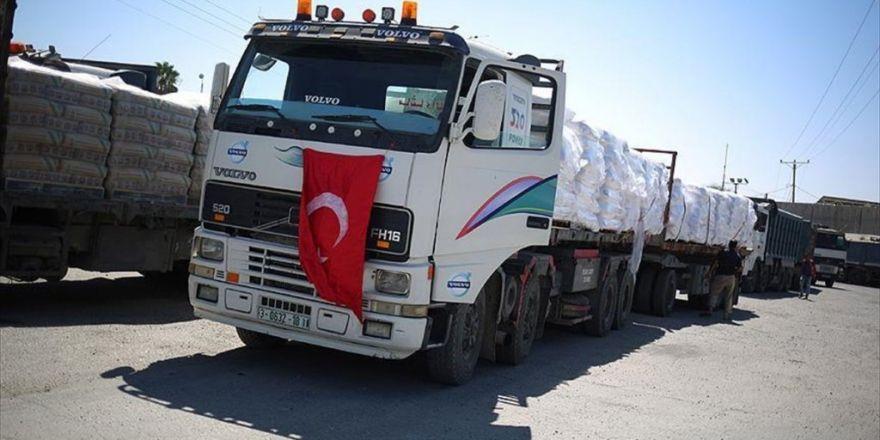 Türkiye'den Gönderilen Yardımları Taşıyan Tırlar Gazze'ye Ulaştı