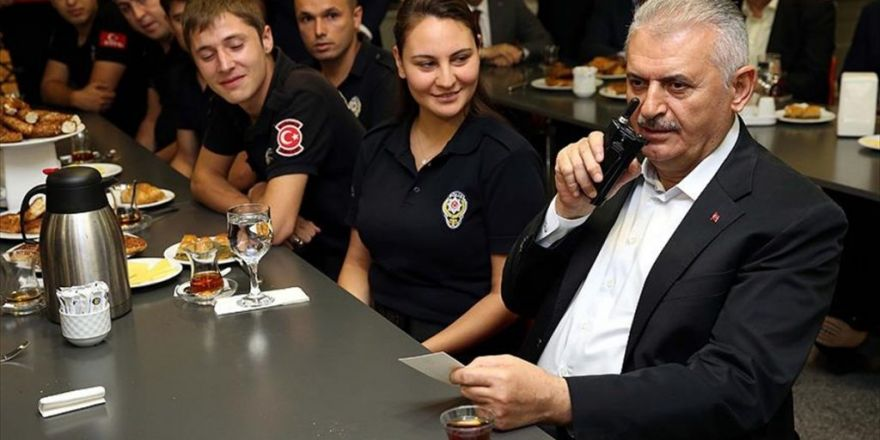 Başbakan Yıldırım Telsizden Polislerin Bayramını Kutladı