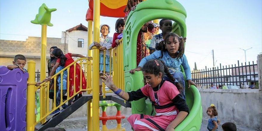 Cerablus'ta Daeş'in Enkazı Çocukların Oyun Alanı Oldu