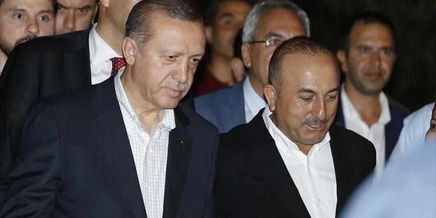 Erdoğan, Trafik Kazası Geçiren Albayrak Ve Ailesini Hastanede Ziyaret Etti