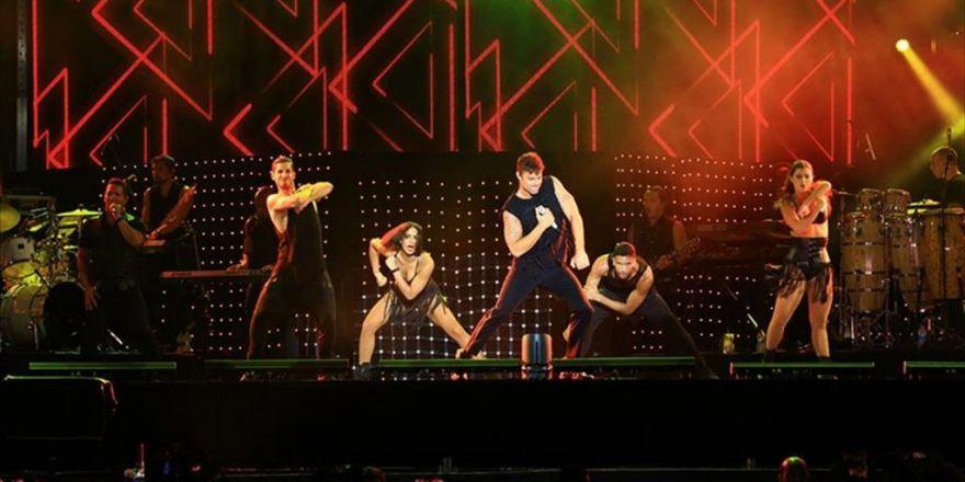 Ricky Martin'den Expo'da Latin Rüzgarı