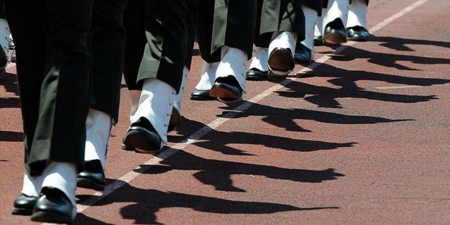 Fetö Şüphelisi Askerlerin 'Murakıbı' Tutuklandı