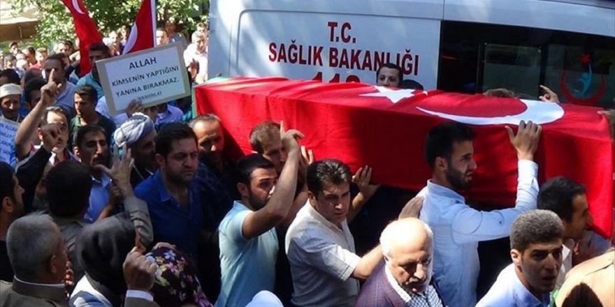 Ak Parti'li Budak'ın Cenazesi Toprağa Verildi