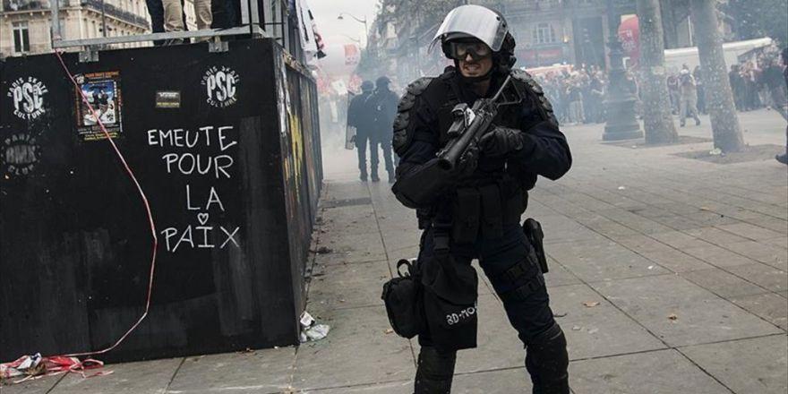 Fransa'da Bir Gösterici, Polis Şiddeti Nedeniyle Gözünü Kaybetti