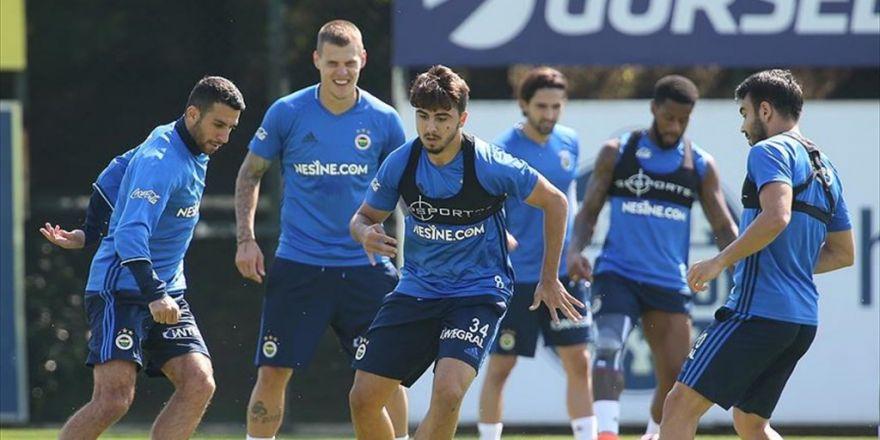 Fenerbahçe İlk Galibiyet Peşinde
