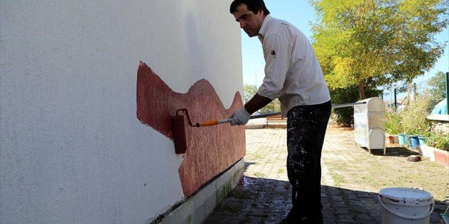 Takdir Belgeli Okulun Müdürü Tatilde İşçi Gibi Çalıştı