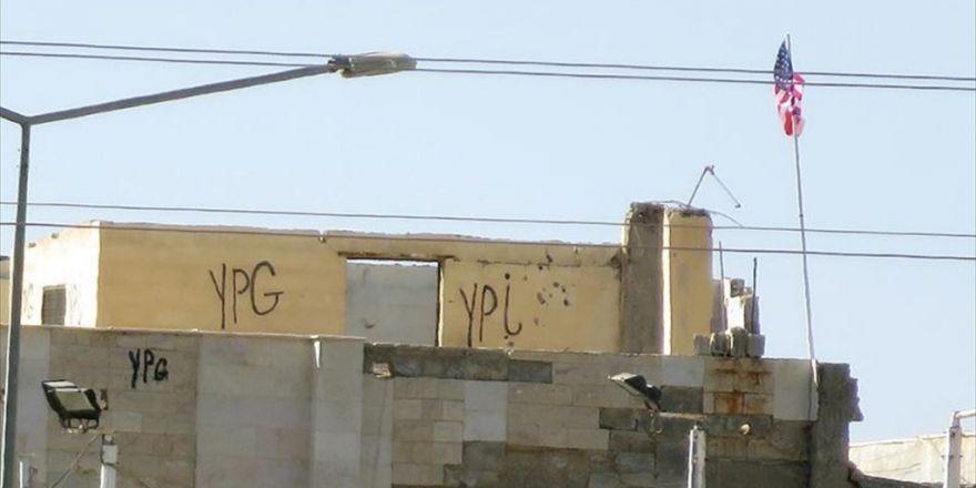 Pyd 'Karargahı'ndaki Abd Bayrakları Halen Yerinde