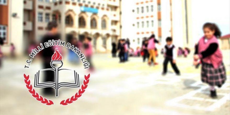 18 Milyon Öğrenci '15 Temmuz'u Anarak Ders Başı Yapacak